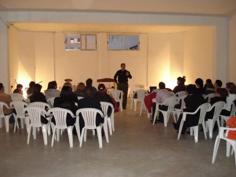Primeros cultos en la iglesia calle Haya 11 .3